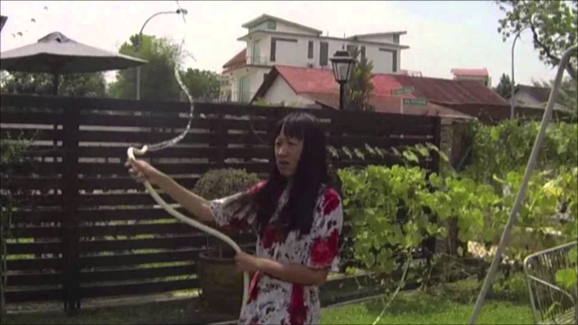 蘇喇孜 Solazi -《X國的非法勞工》(The X Country) MV