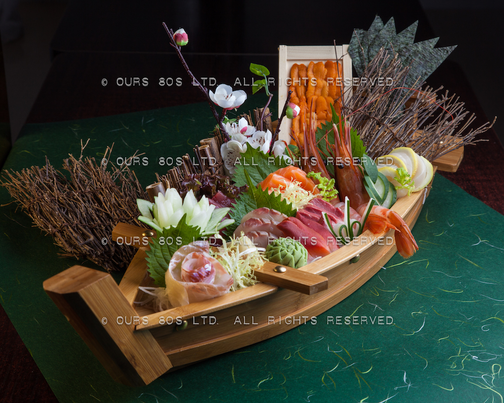 Food photography and menu design for 仨島日本料理有限公司